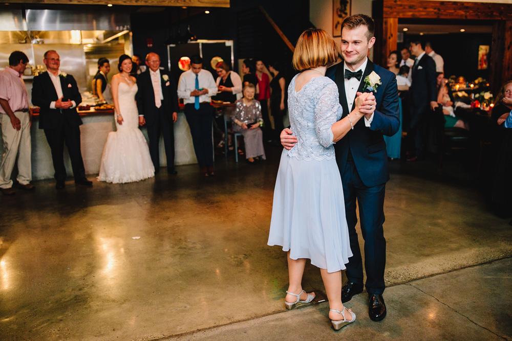 076-boston-restaurant-wedding-photography.jpg