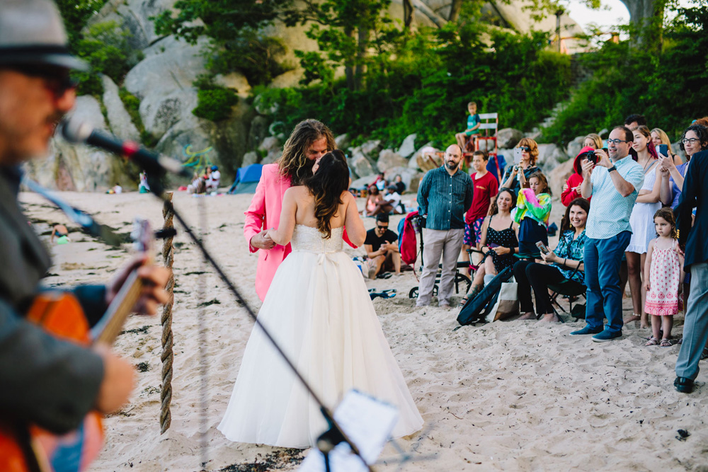 028-new-england-beach-wedding.jpg