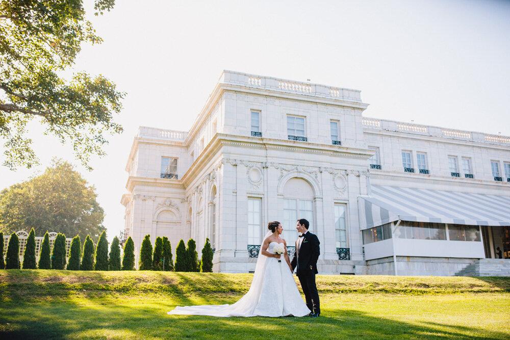 050-rosecliff-wedding-photographer.jpg