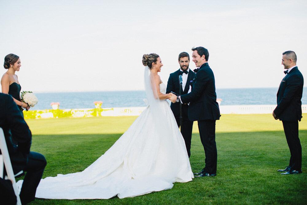 078-rosecliff-wedding-ceremony.jpg