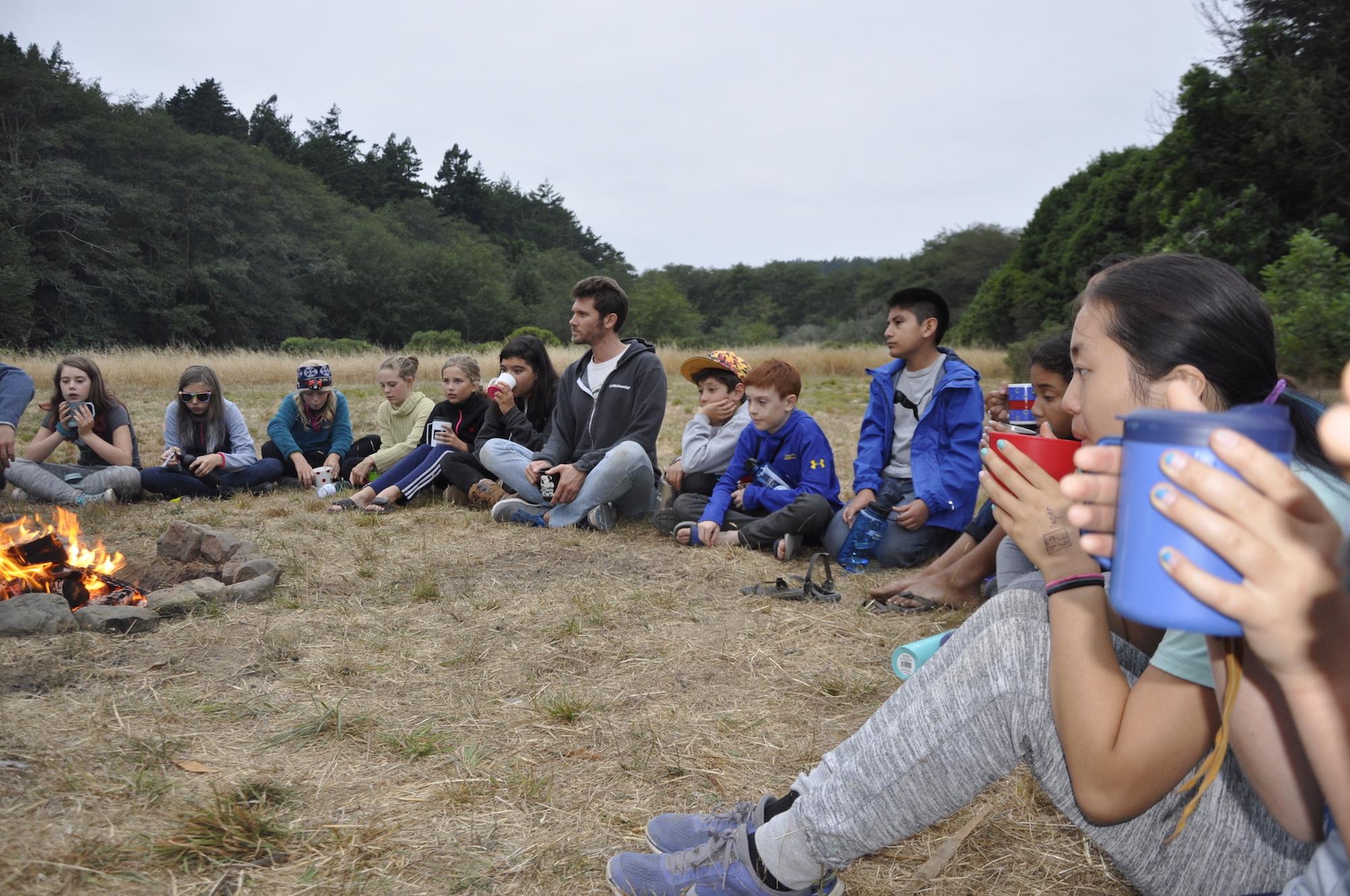 Millennium school kids learn in the outdoors.JPG