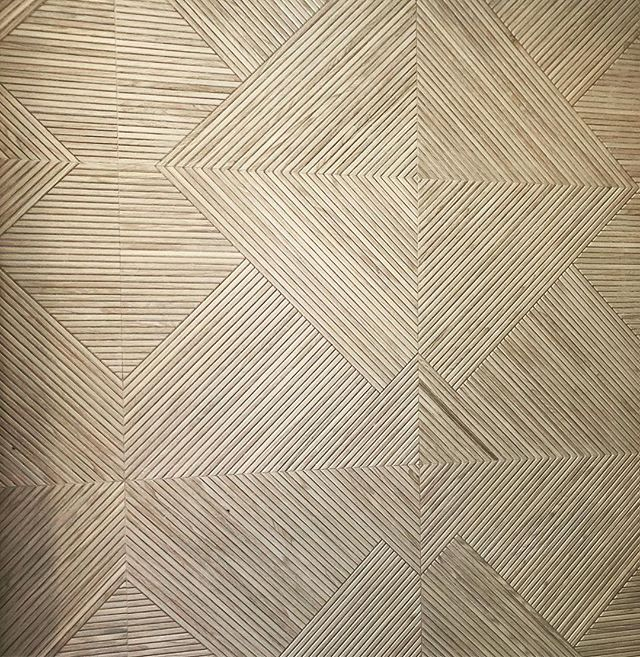 Is this grass cloth?? Nope, it's a very cool patterned tile in a beautiful #masterbathroom walk-in shower!  Who's going to let me select this for their #remodeling project!!?? #modernismweek2018 #designismybusiness #simplystatedinteriors #businessofdesign