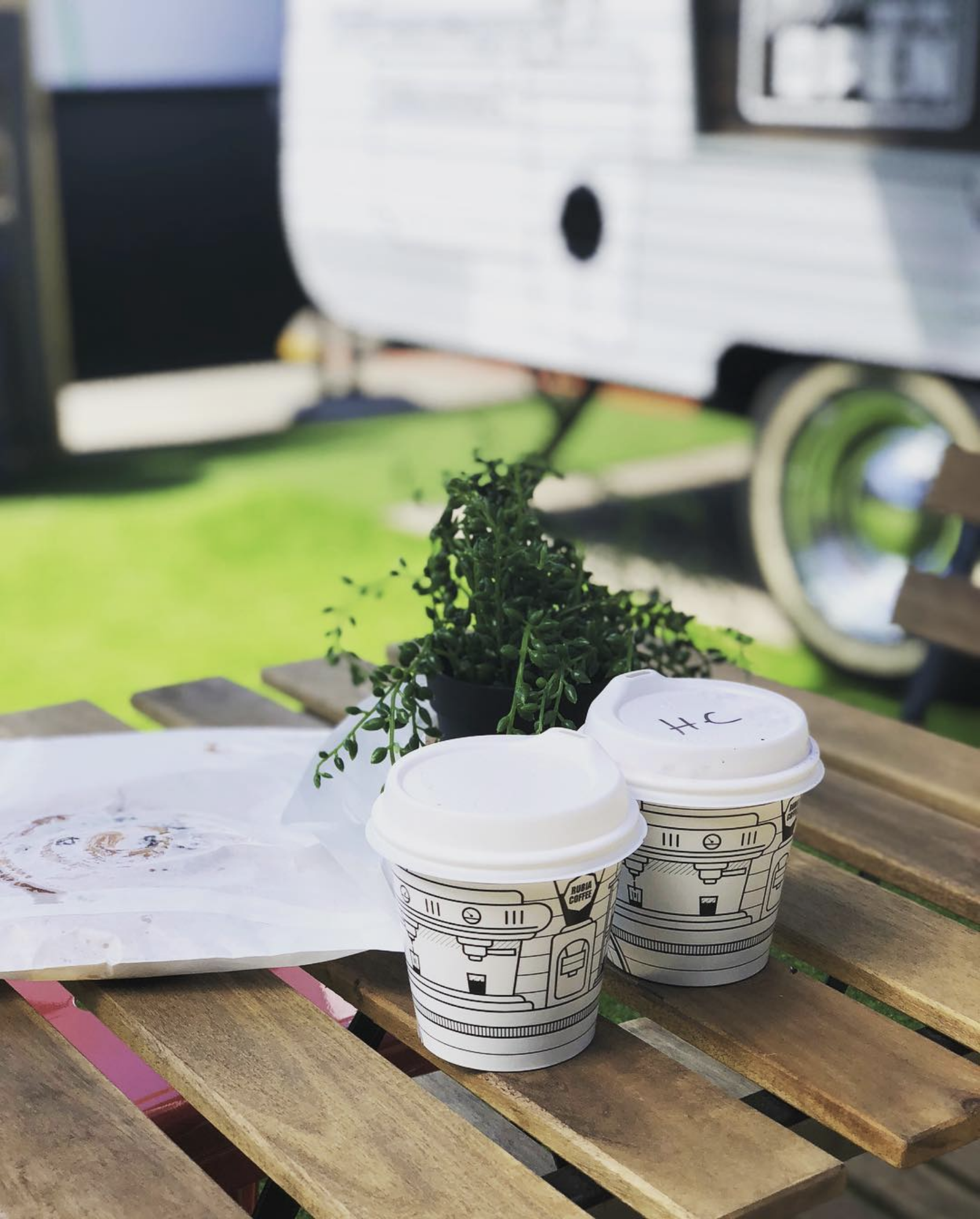 Rubia Van and take away cups