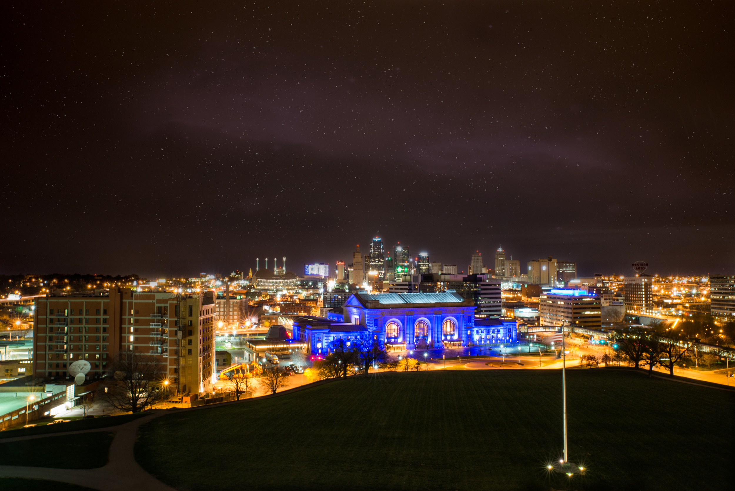 I gotup SUPER early to be able to take this shot I've been wanting to take for a while now. The blue building you see is Union Station in KCMOand I took it standing at the Liberty Memorial.