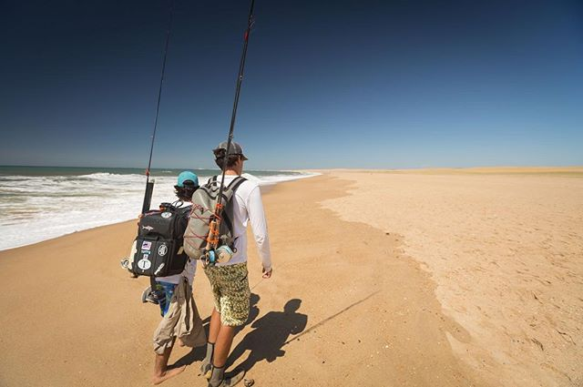 Just walk. Endless walks are worth it. The Shareef don't like it, rock the Casbah.  #flyfishing #fishing #uruguay #walks #timingtides #rocha #tailingfish