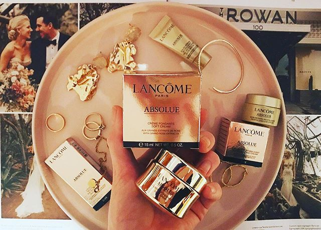 Gold : A yellow precious metal,  used especially in jewellery and decoration and to guarantee the value✨  Your skin is something you should always value - look after it, cleanse it, protect it, give it a nice drink of hydration, let it glow.  I have been trying out Lancôme's Absolue cream, skins feeling silky smooth 👌🏻 #lancomenz #lovegold #lookafteryourskin #flawlessskinflawlessmakeup #gifted #lancomegiftime #absoluecreme #togetherjournal #weddingmua