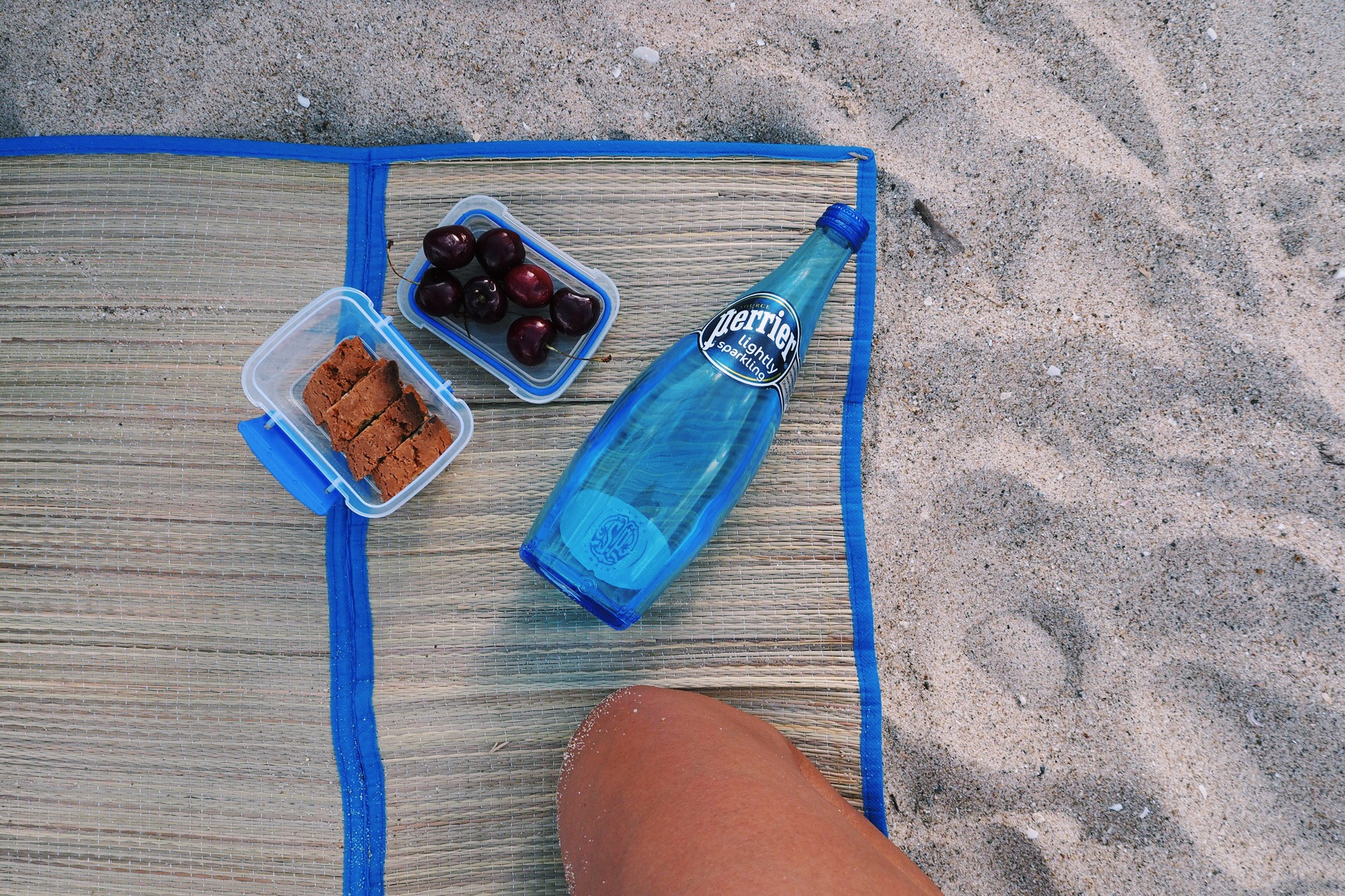 snacks and water - a beach day must! (thanks kasia)