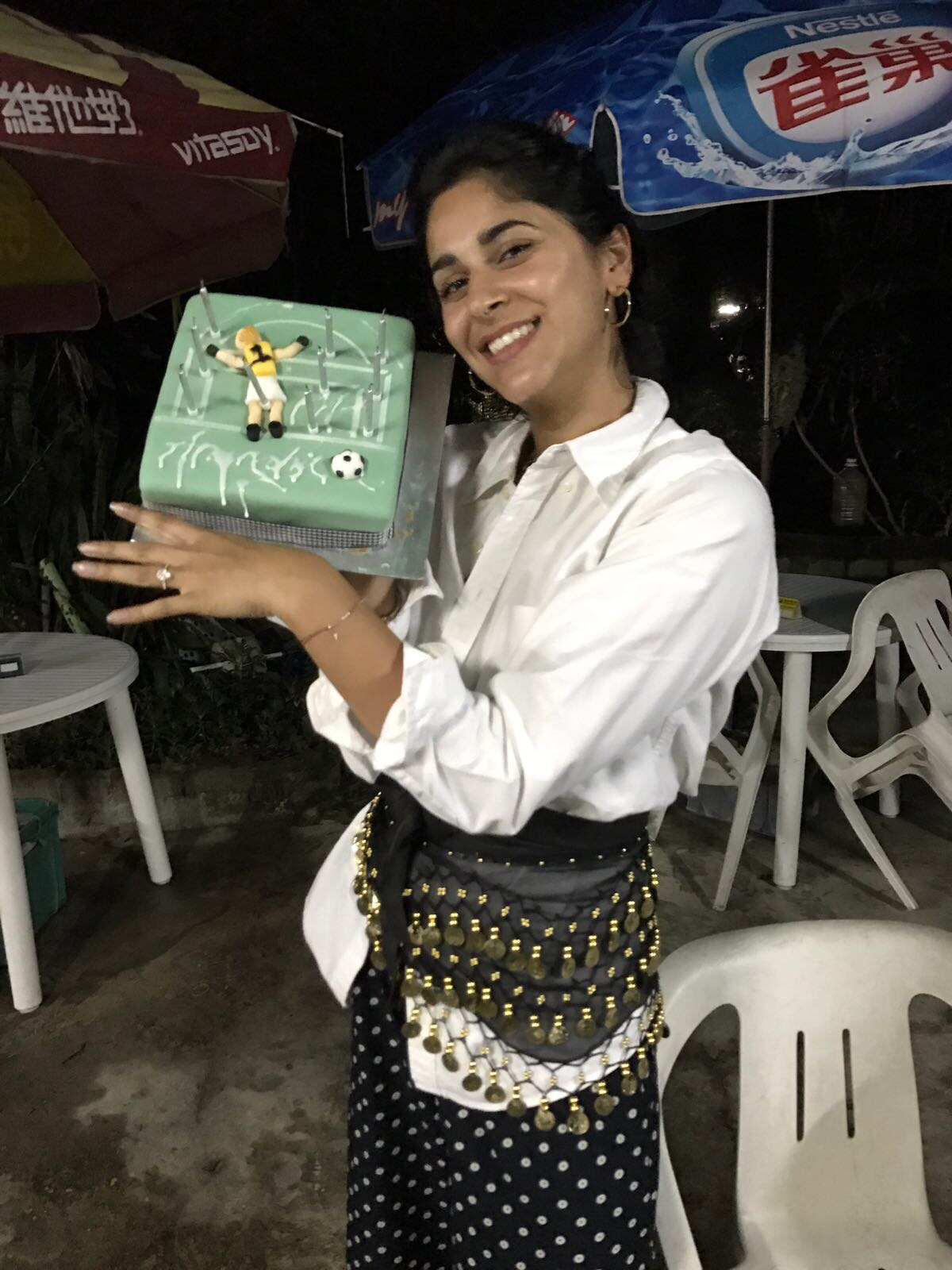 Here i am with my cake,my new ring and dripping icing which said 'anahita'