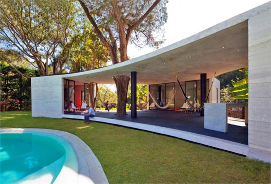 tepoztlan-lounge-cadaval-sola-morales-lead-537x365.jpg