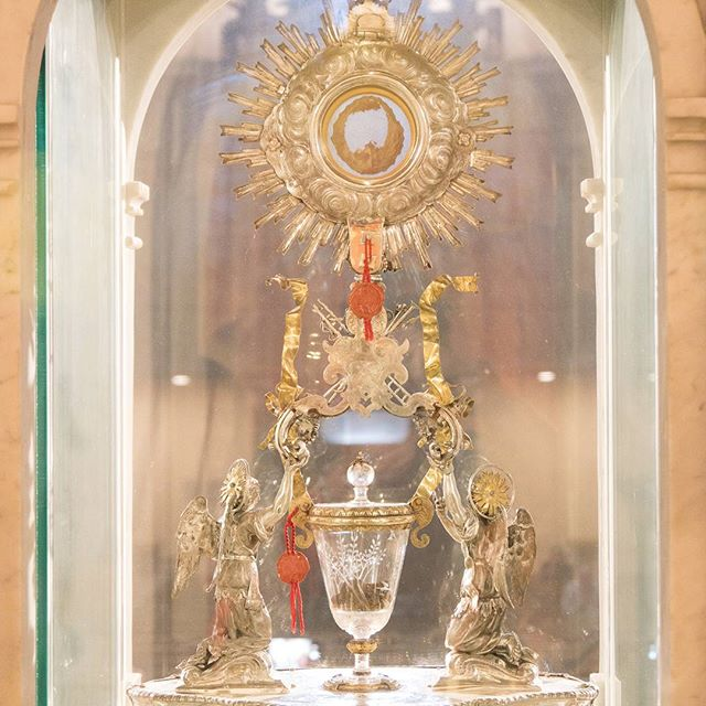 Mass at Eucharistic Miracle church of Lanciano in Italy. They tested the dna of the heart and blood and found it was human with the universal blood type AB #napglenn2017 #MarianPilgrimage  #lanciano #miracle