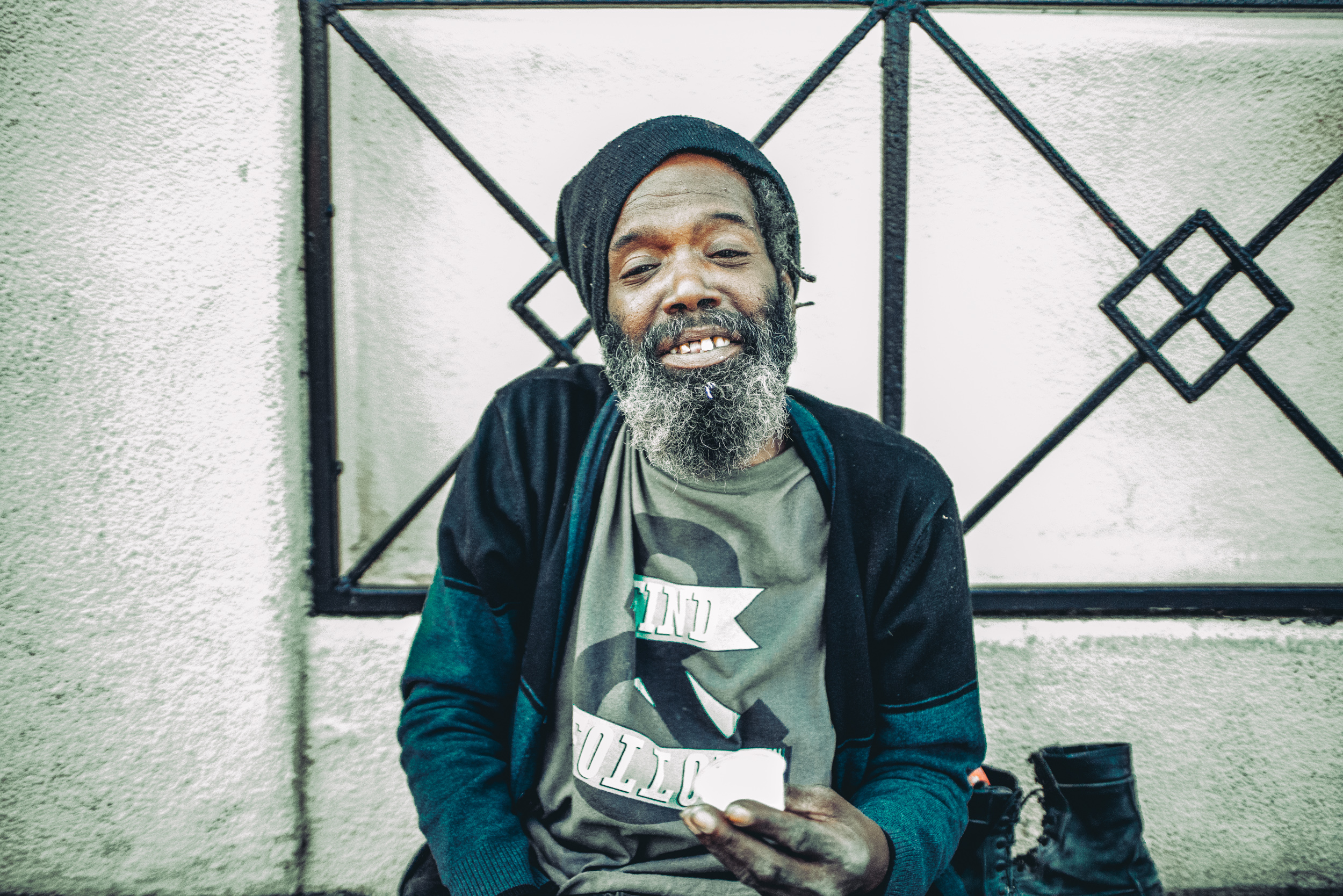 Former zoo keeper, now homeless. Life.