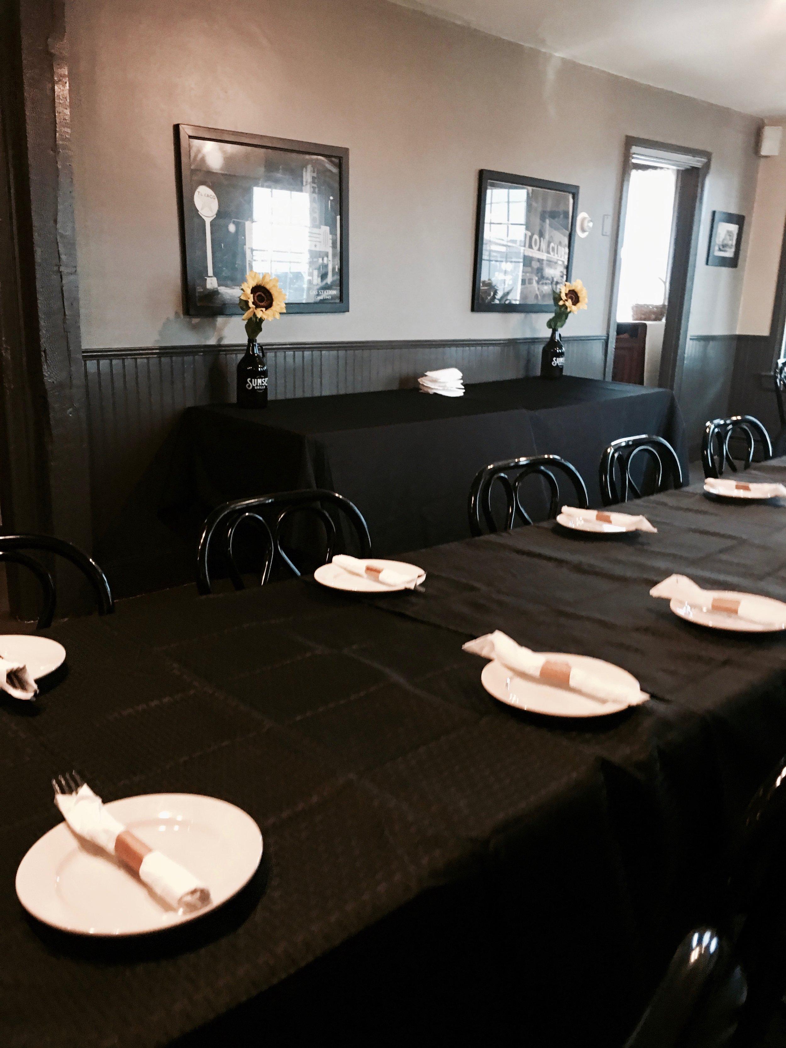 Group Dining (2).jpg