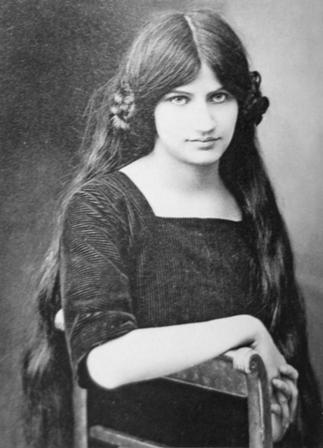 Жанна -художница, модель, жена.jpg