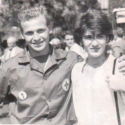 Ваагн Тоноян и Марина Арутюнян - юные спасатели.jpg