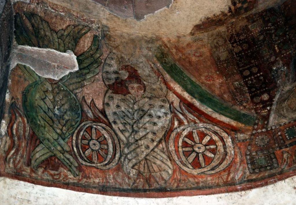 Изобразительное искусство в средние века: фресковая живопись - Важнейшее значение для дальнейшего развития истории и культуры армянского народа имело принятие в первые годы IV столетия (301 год) христианства в качестве государственной религии Армении.