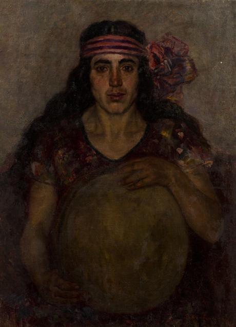 Женщина с бубном