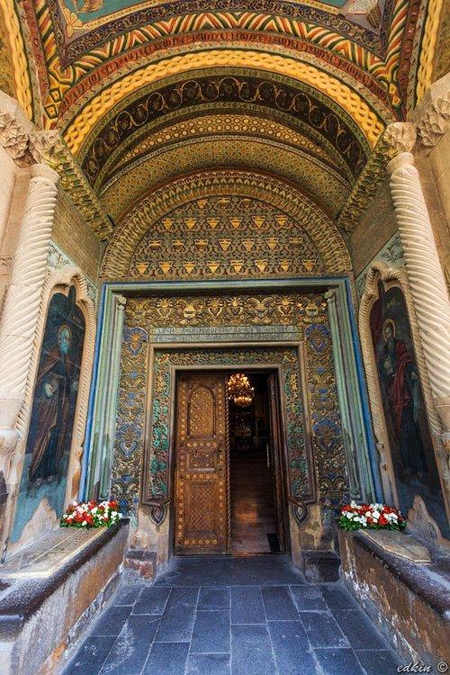 Вход а Кафедральный Собор