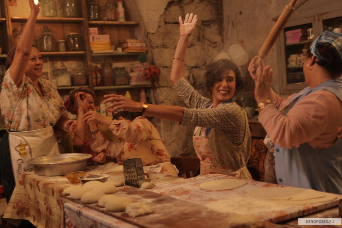 """Кадр из фильма """"И куда мы теперь?"""" фотоst.kp.yandex.net"""