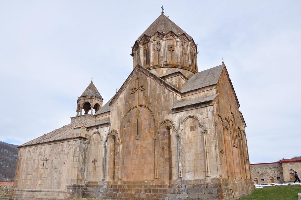 Из Гандзасара Петру Великому были отправлены прошения восточных армян о принятии российского подданства.