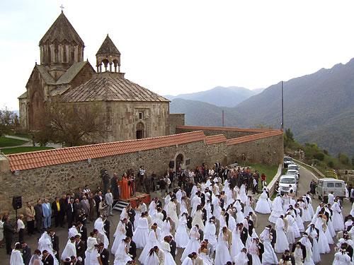 gandzasar-wedding.jpg