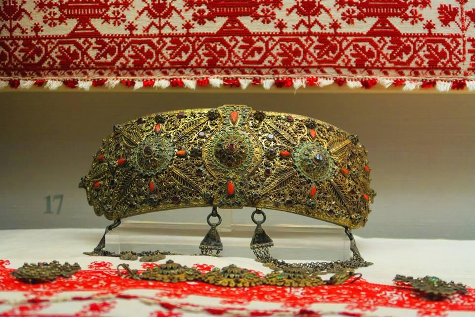 Один из шедевров ювелирного искусства в музее Антониса Бенакиса.