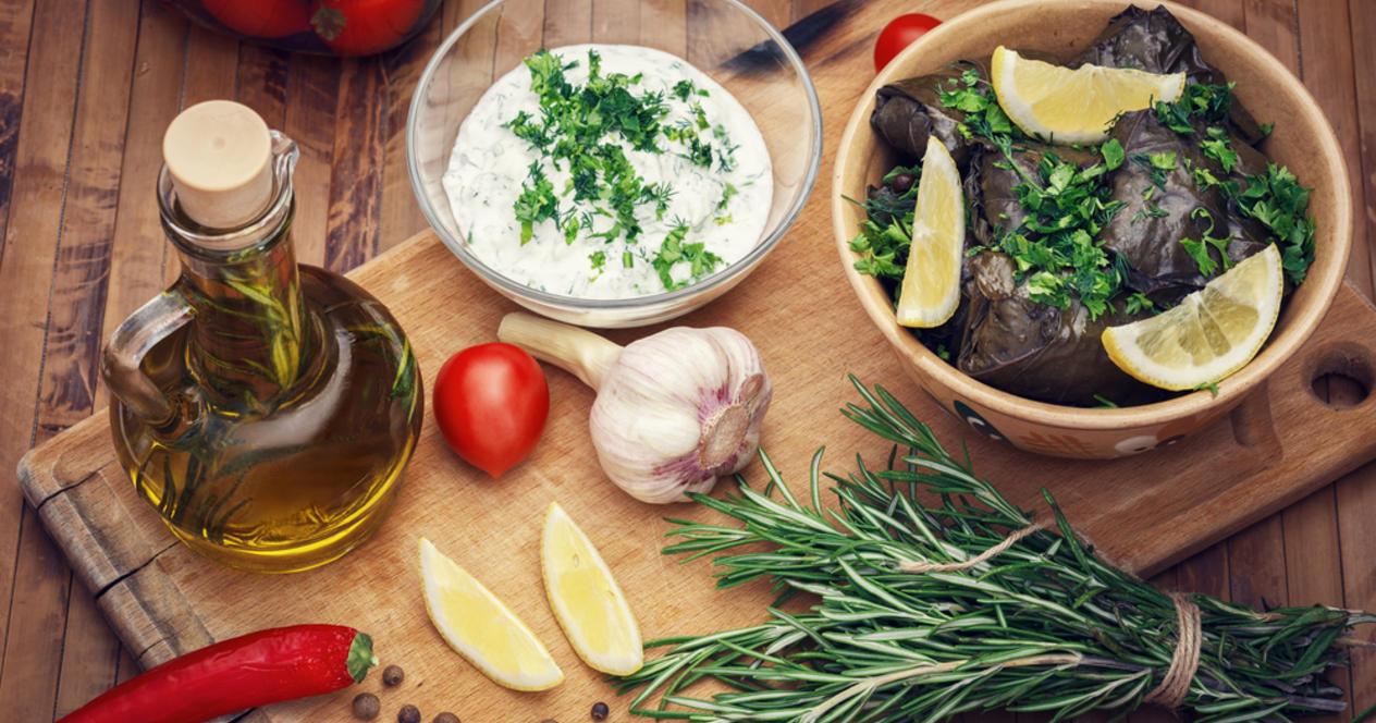 Особенности армянской кухни - Армянские кулинарные традиции берут начало из глубокой древности. Известно, что армяне имели представление о процессах брожения и хлебопечения еще 2500 лет назад. Традиции приготовления многих армянских блюд остаются неизменными.