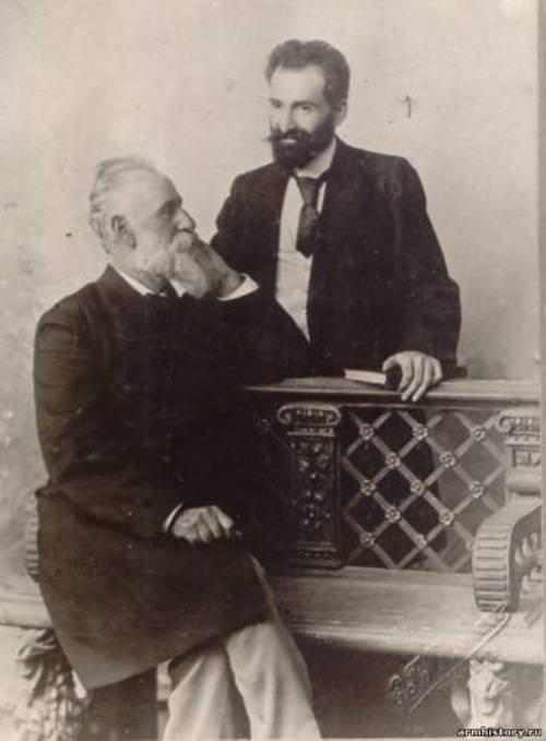 """Газарос Агаян и Ованнес Туманян, члены общества """"Вернатун"""""""