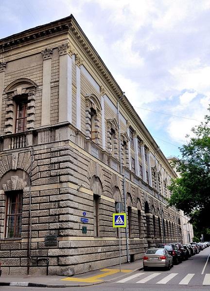 Фасад Дома Тарасова по Большому Патриаршему переулку|inafran.ru