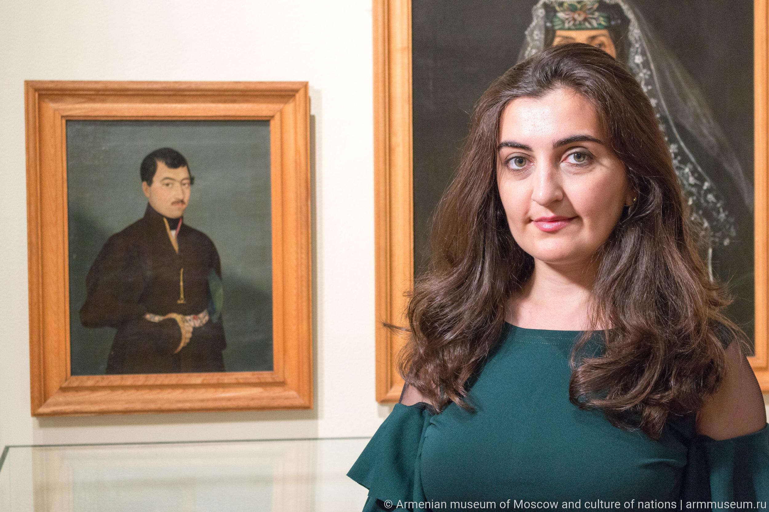 Художники Овнатаняны - большая династия. Один из них даже расписывал Кафедральный собор в Эчмиадзине. В коллекции Музея Востока - несколько заказных портретов.