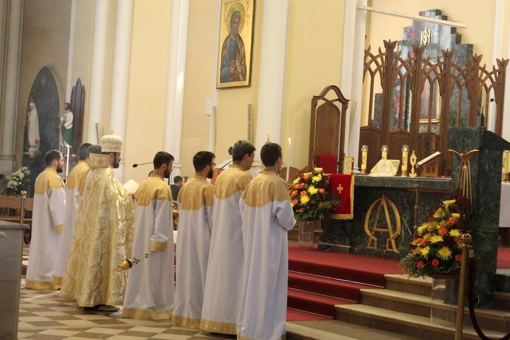 Служба в московском храме