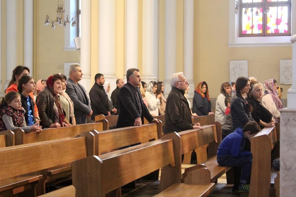 Прихожане католического храма