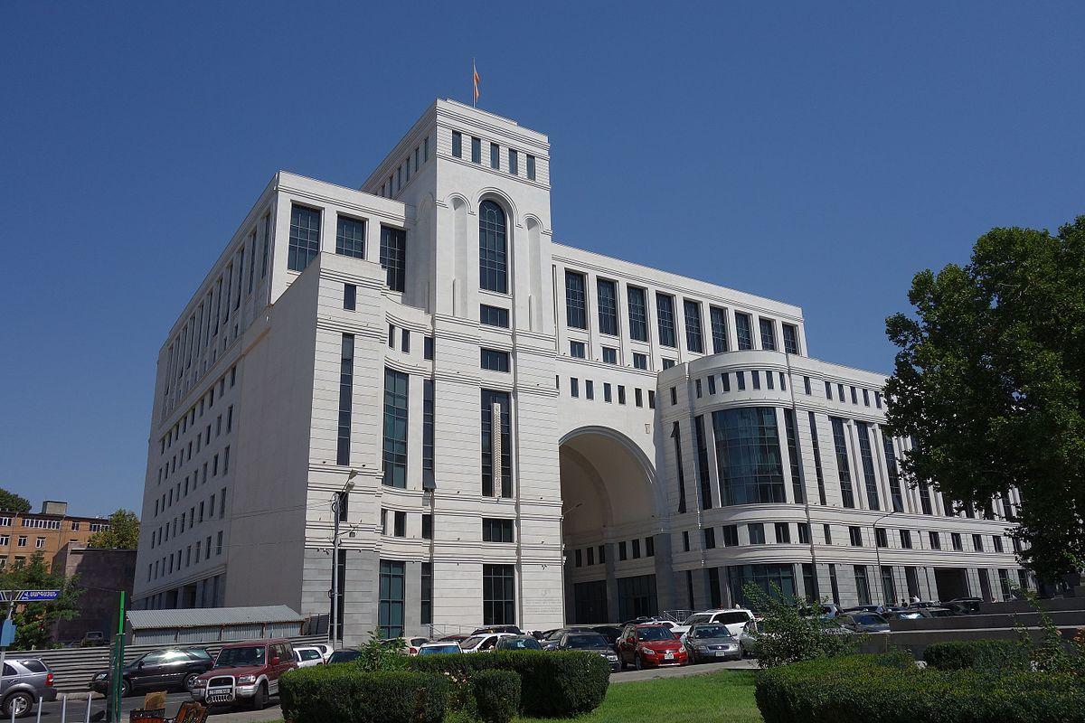 Здание МИД Армении на площади Шаумяна | wikipedia.org