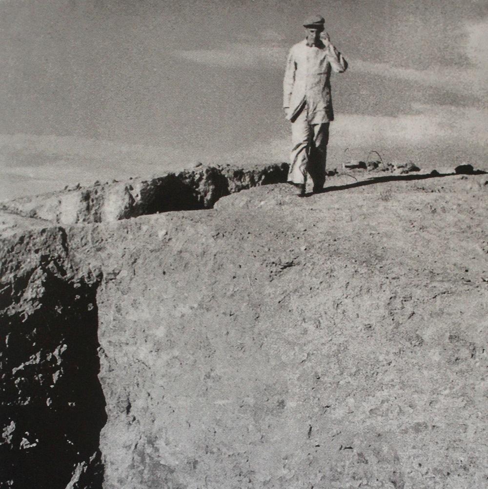 Борис Пиотровский на раскопках на Кармир-Блуре (ок. 1950)