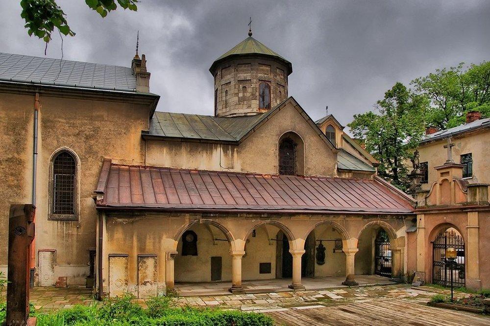 Армянский кафедральный собор Успения Пресвятой Богородицы во Львове, Украина. Фото: lookmytrips.com