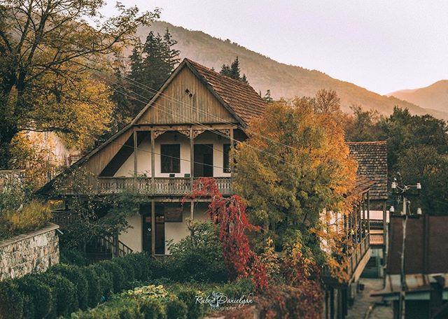 Осень в Дилижане. Фото: Ruben Danielyan ǁ  luvarmenia.tumblr.com