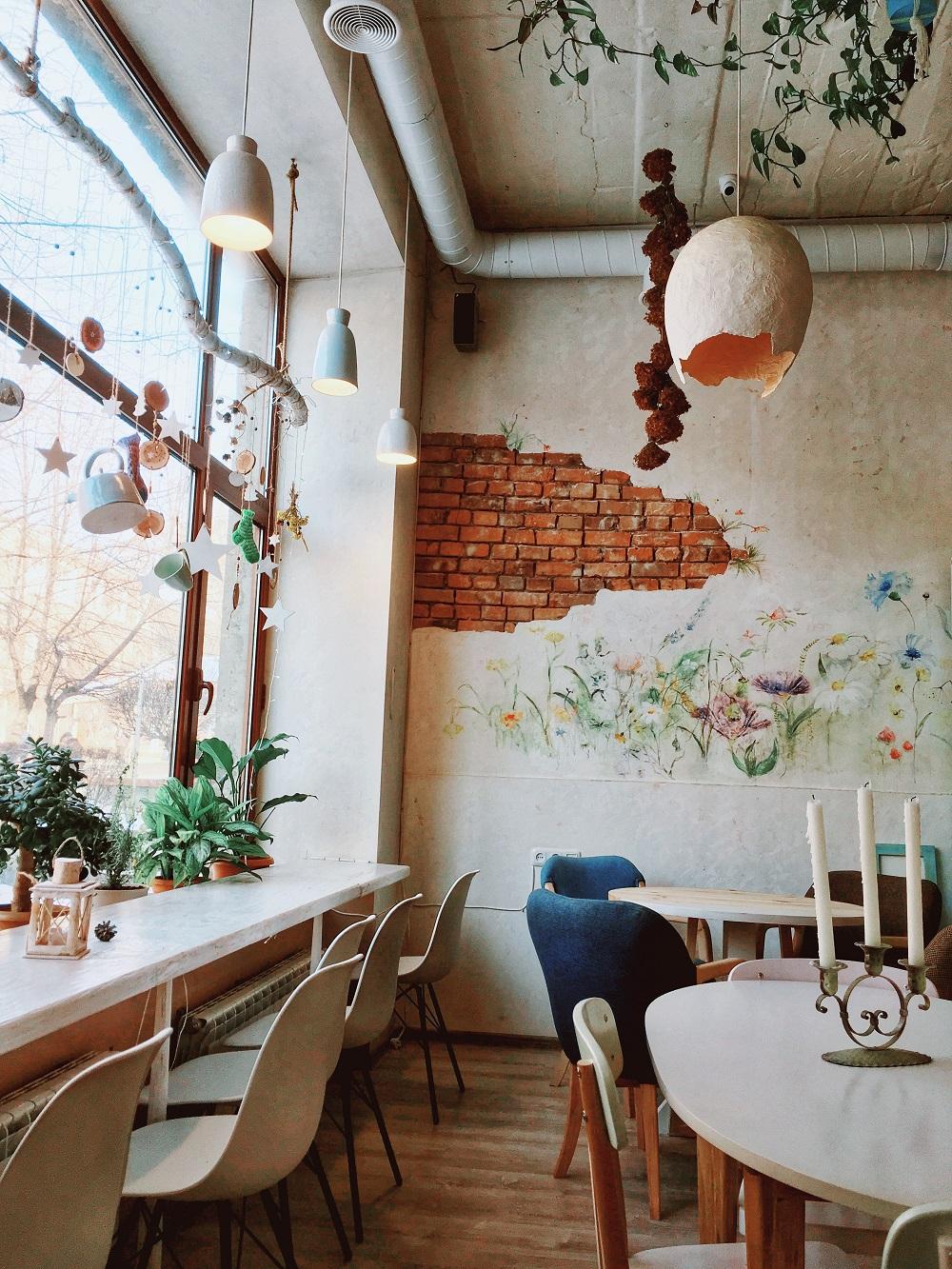 Интерьер ресторана Herbs&Honey Tearoom ©Татьяна Тростникова