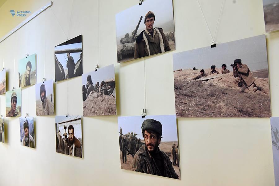 Кадр с фотовыставки Левона Атоянца «Арцах. 1992-1994». Май 2018 года