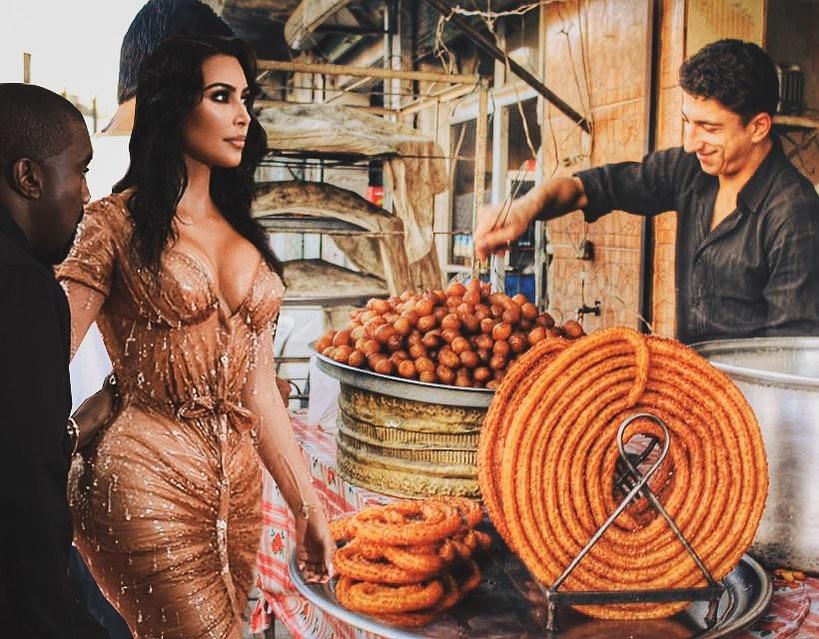 Ким Кардашьян и гора арабских сладостей | ©Steph Sanossian, instagram.com