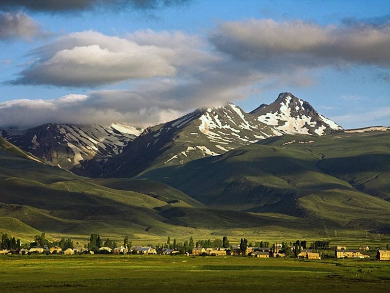 Гора Арагац ǁ  lonelyplanet.com
