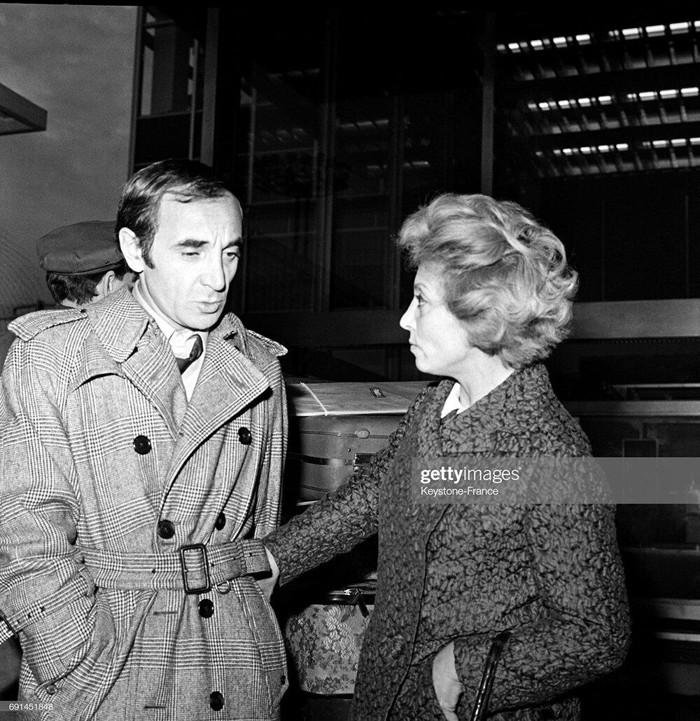 Шарль Азнавур и его сестра Аида, около 1960 года. Фото: gettyimages.in