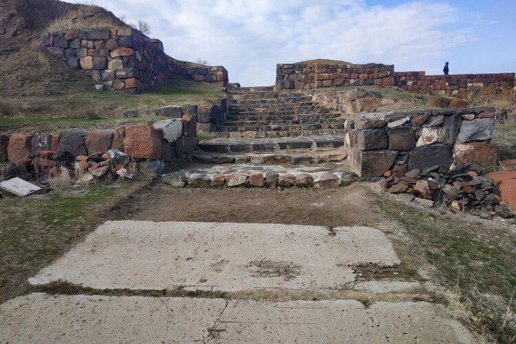 765-erebuni-museum-reserve-new-building-yerevan-armenia-2.jpg