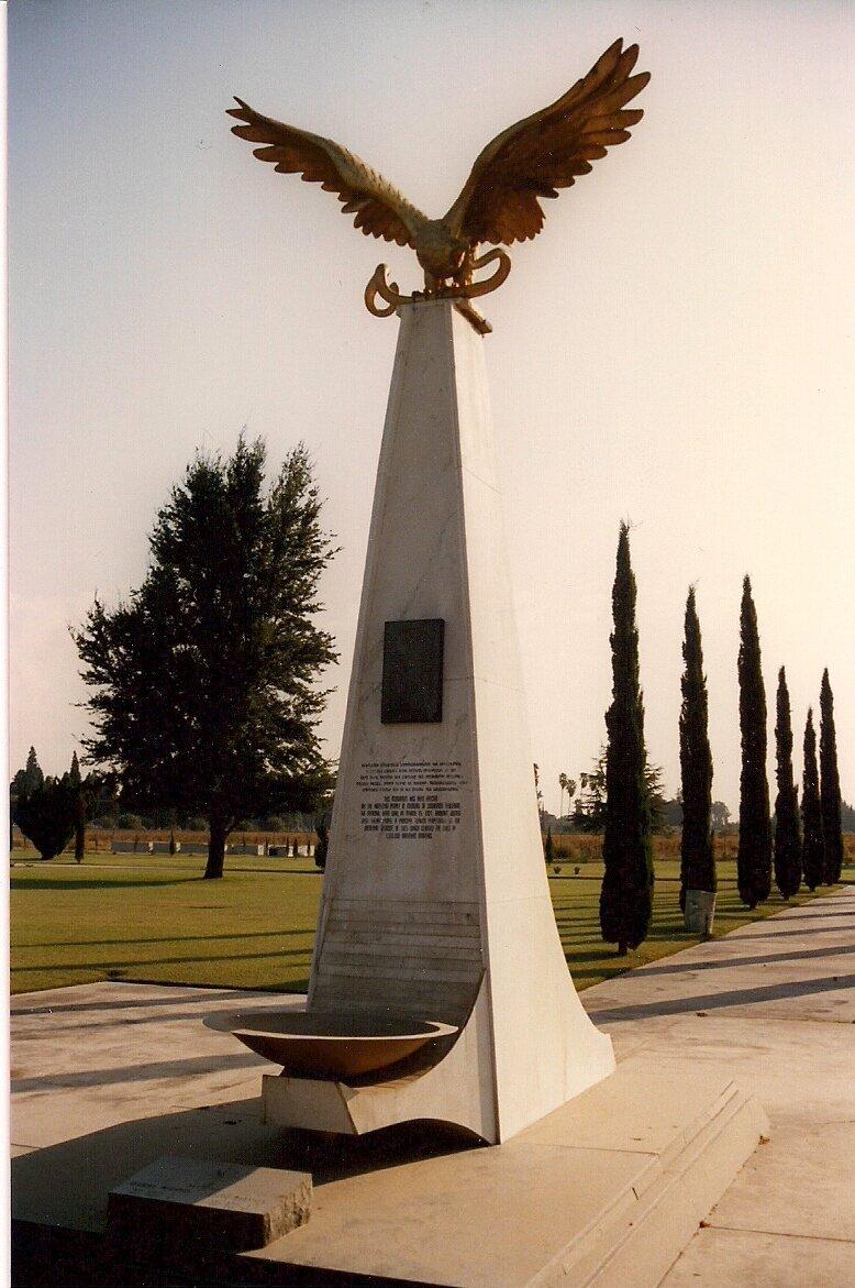 Памятник на могиле Согомона Тейлиряна во Фресно (США). Фото: wikipedia.org