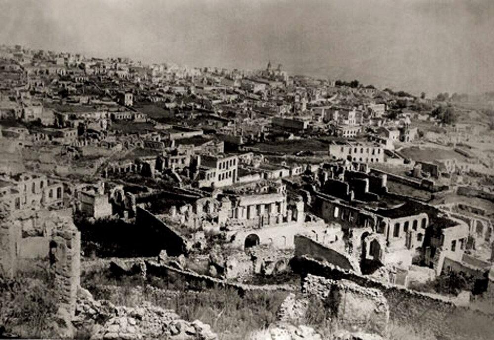 Руины армянского квартала Шуши после резни 1920 года. Фото: wikipedia.org