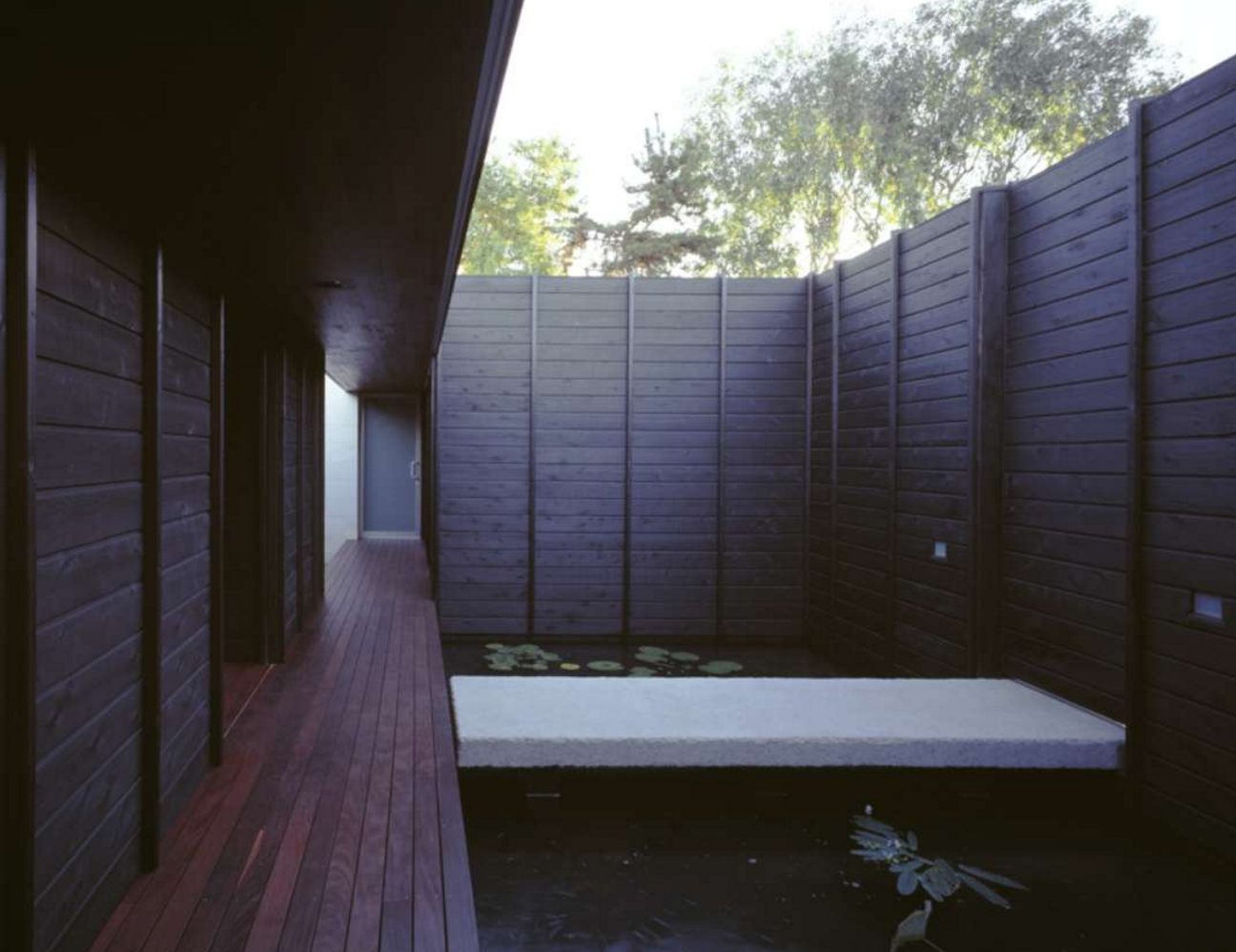 Shou sugi ban house,  Image via Architizer