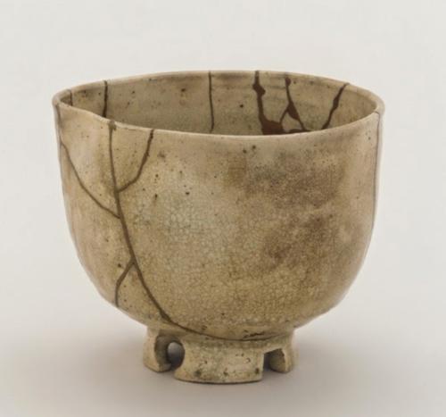 Ceramic piece repaired with Kintsugi technique