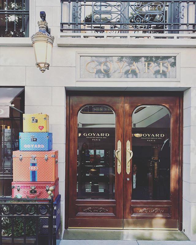 有誰能夠不熱愛這個品牌的形象😛  #manhattan #nycshoppingguide #nyc5avenue #hellonyc#hellocities #nycguide #fashion#紐約深度旅遊 #紐約行程客製化 #ニューヨーク観光 #ニューヨークガイド #
