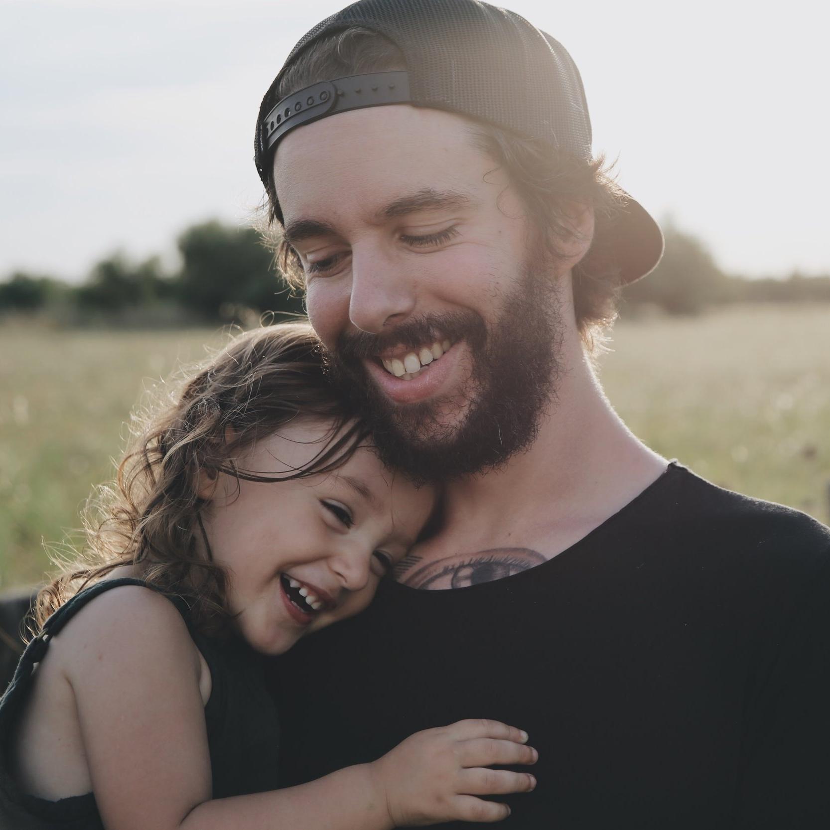 father-daughter-caroline-hernandez-177784.jpg