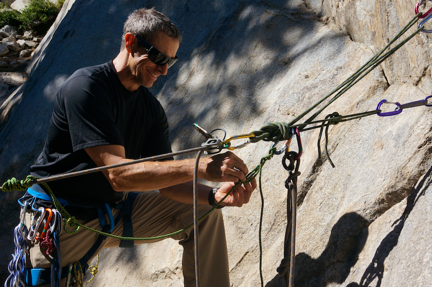 Transferring the load of an injured climber during self rescue