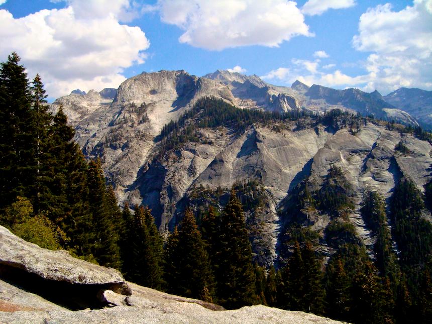 Hiking along the High Sierra Trail