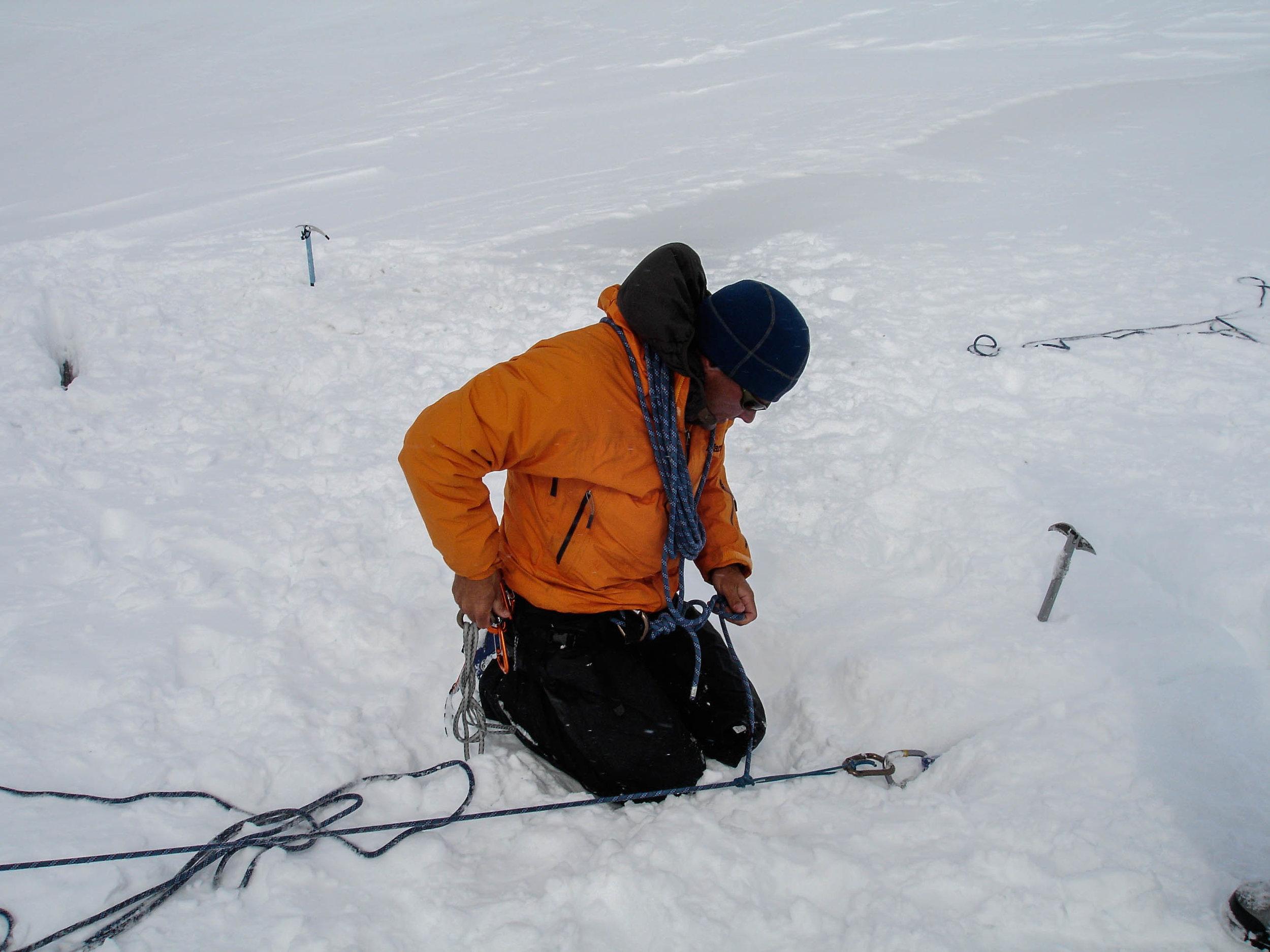 Creavsse rescue on skis practice